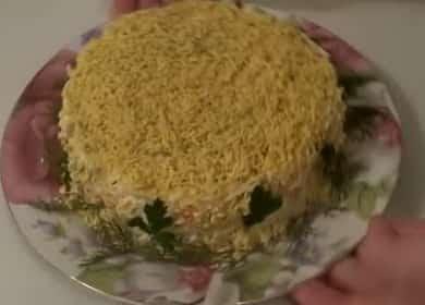 Как научиться готовить вкусный салат с крабовыми палочками и сыром 🧀
