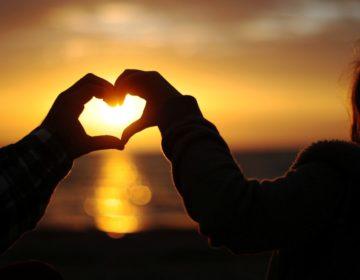 Романтические стихи: 50 красивых стихотворений со смыслом ✍