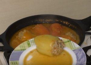 Как готовить фаршированный перец: простой пошаговый рецепт с фото.