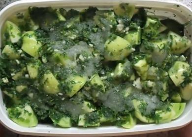 Салат из зеленых помидоров с чесноком по-корейски🥫