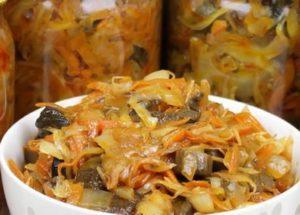 Вкусный салат Солянка из капусты с грибами на зиму