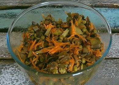 Теплый салат с жареными 🥝 шампиньонами без майонеза