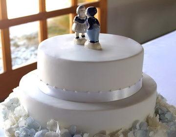 100 фото самых красивых 🥝 вариантов свадебного двухъярусного торта