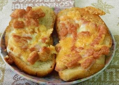 Вкусные горячие бутерброды 🥝 с колбасой и сыром