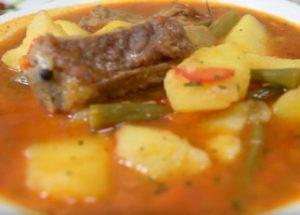 Очень вкусная картошка, тушеная с ребрышками свиными: готовим по пошаговому рецепту с фото.