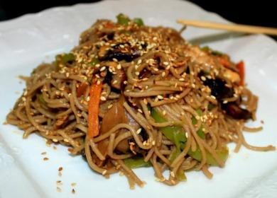 Японская гречневая лапша 🥝 с курицей — простой рецепт