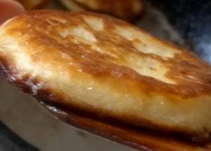 Оладушки на простокваше по простому пошаговому рецепту с фото
