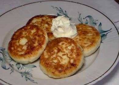 Классический рецепт сырников 🥝 из творога — пошаговый рецепт