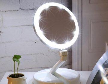 Зеркало с подсветкой для макияжа – незаменимый помощник для любой женщины